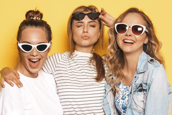 Les lunettes de soleil : de l'objet utilitaire à l'accessoire de mode