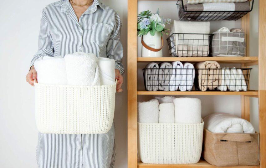 Let's tidy up the wardrobe!